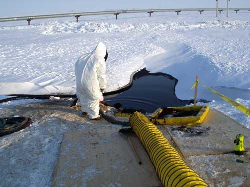 10_030606_leak_response_sites-pollues-arctiques_robin-des-bois